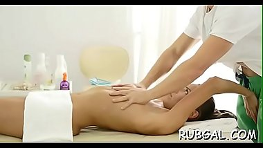 Masseuse massage