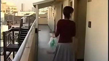 The man likes to have an affair with other man'_s wife at door of her home - Pt.2 On HdMilfCam.com
