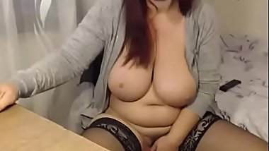 Chubby wife masturbate after work - watch live at www.chatesy.com