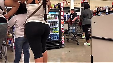 Phat ass Mexican in black tights