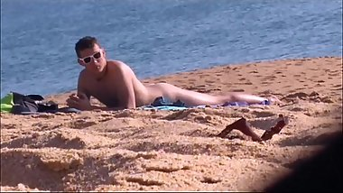 [spy cam] Nudist young guy on beach