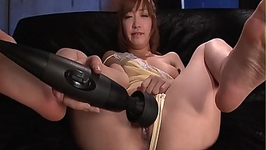 A big asian dildo has the sexy Sana Anzyu cumming