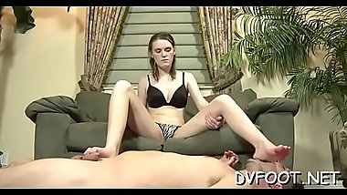 Sexy foot fetisj action with sexy babe getting feet licked
