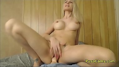 Wiled Blonde Babe With Sexy Curves Fucks Herself