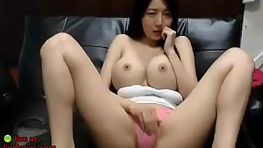Korean beauty shows her huge tits - video link for more